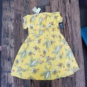 NWT Express Yellow Floral Dress SZ M